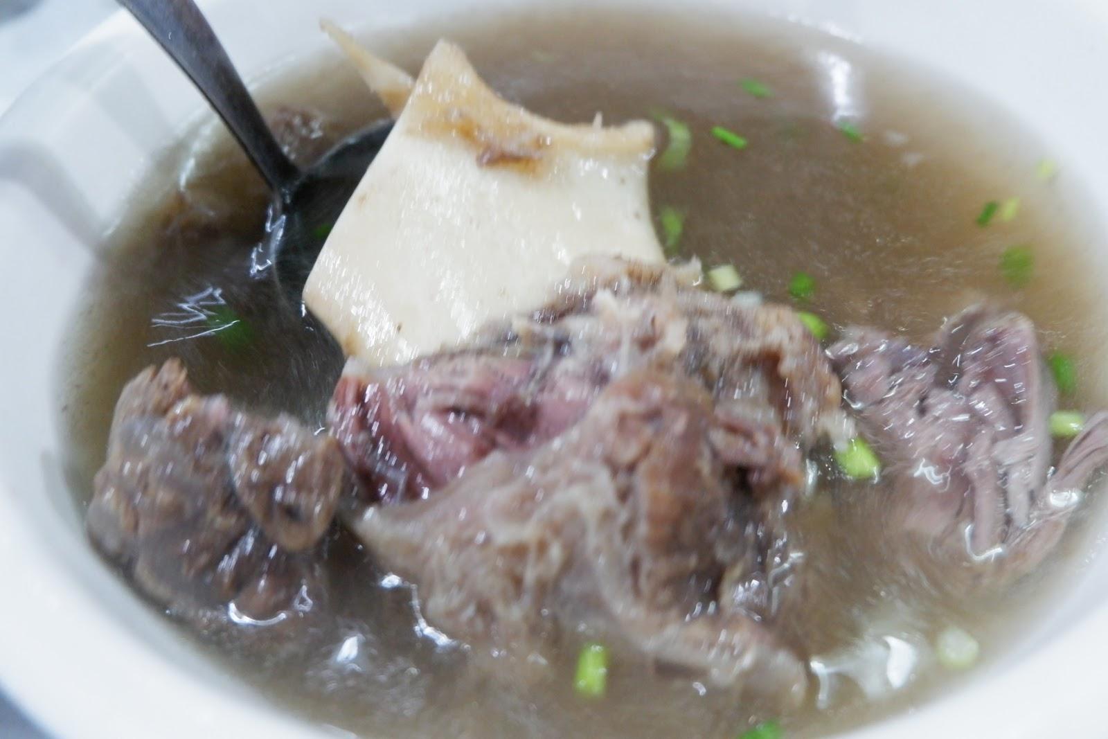 yummy Bulalo beef soup of R&J Bulalohan