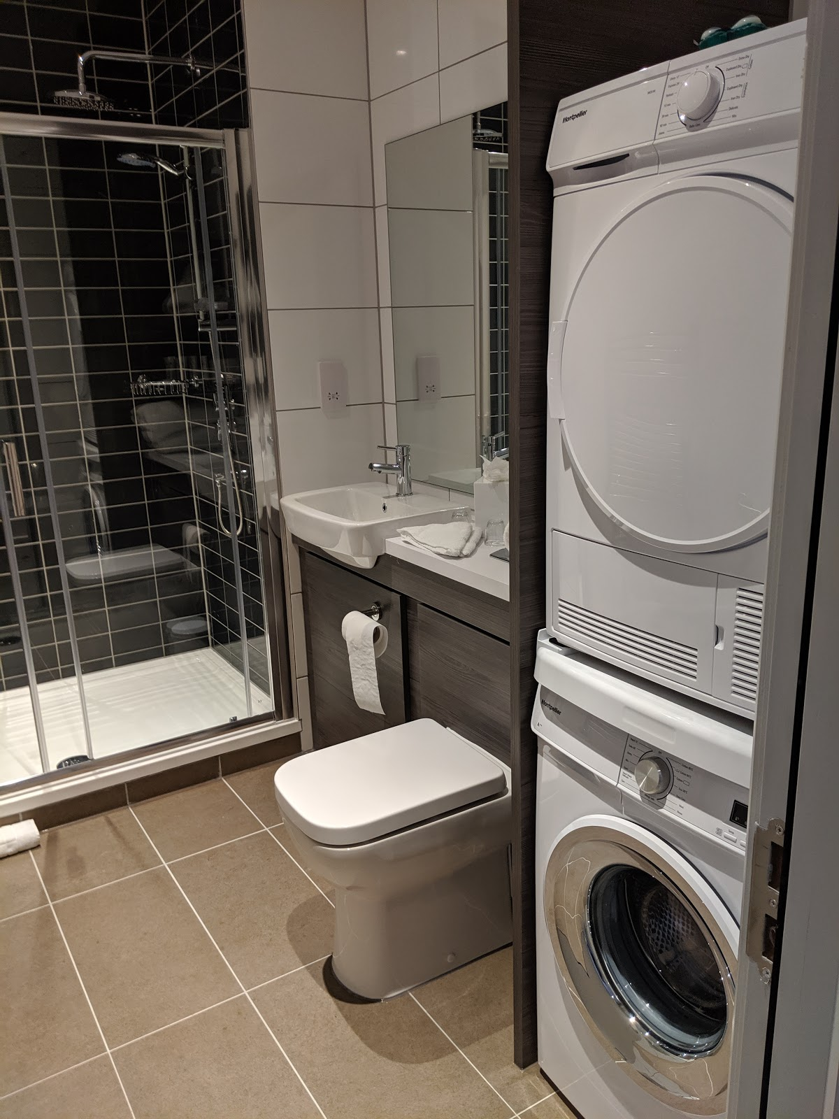 A Guide to Visiting Liverpool Christmas Markets & Lights  - quest apartments liverpool city centre - bathroom and washing machine
