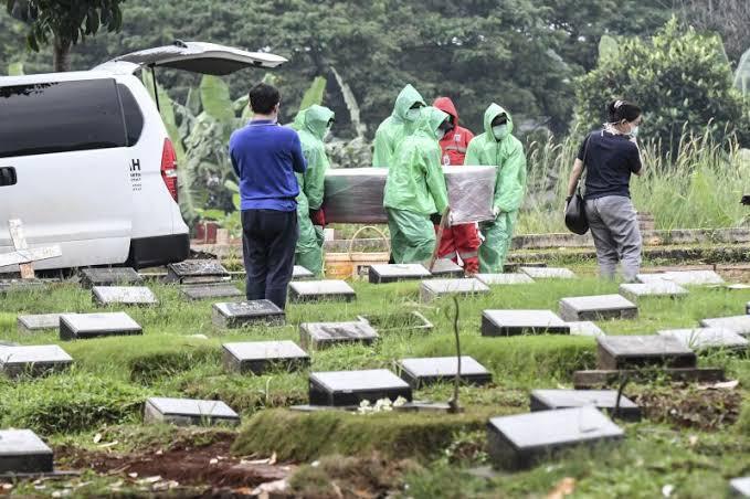 Virus Corona Meledak Di Indonesia, kemungkinan Bisa Memiliki Angka 240.000 Kematian Pada Akhir April.