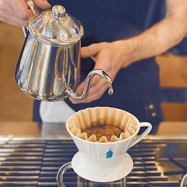 Blue Bottle Coffee pour.