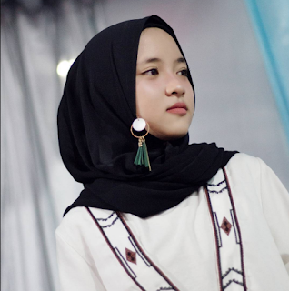 Lagu Sholawat Nissa Sabyan Qomarun Mp3
