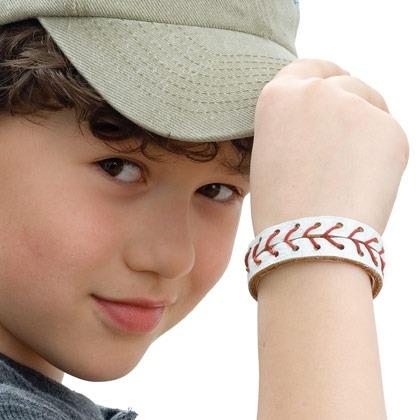 Make a Baseball Wristband