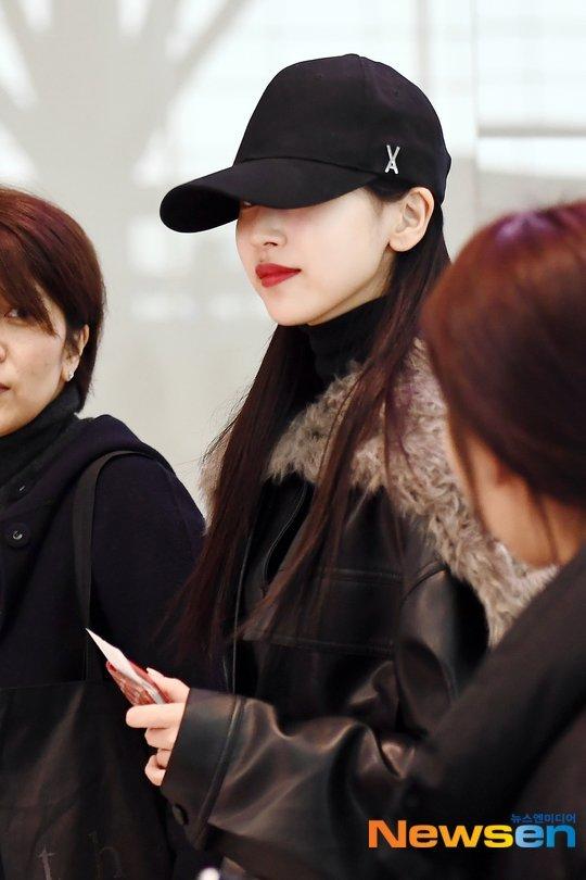 Twice Mina, havaalanında annesiyle görüntülendi