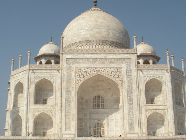 Delhi to Agra in a Day: The Taj Mahal