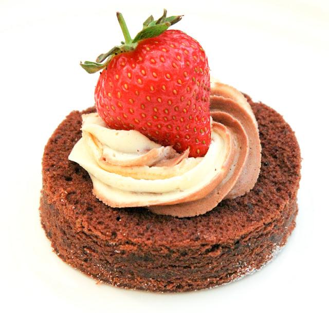 Mini Chocolate Cake with Strawberries
