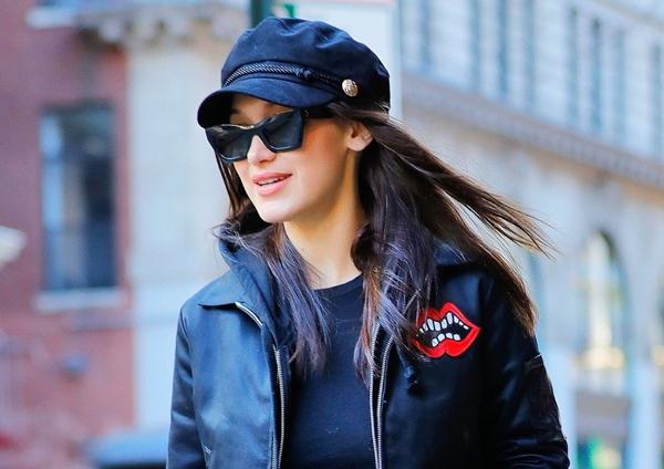 2017-02-01 ベラ・ハディッド(Bella Hadid)ニューヨークにて、「サン・ローラン/Saint Laurent 」でショッピング。