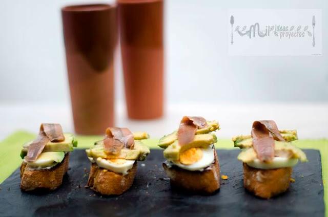 tostas-aguacate-anchoas2