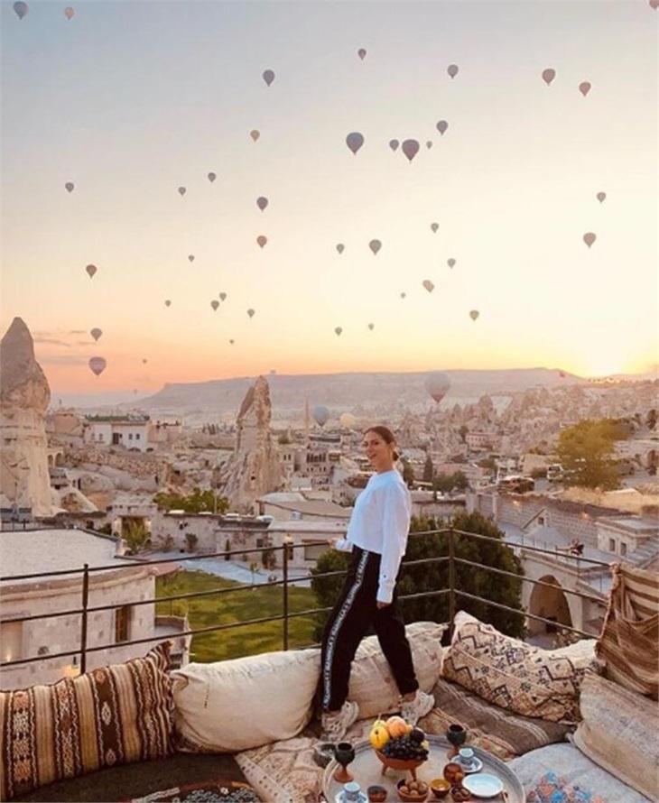 Demet Özdemir'den tatil pozları!