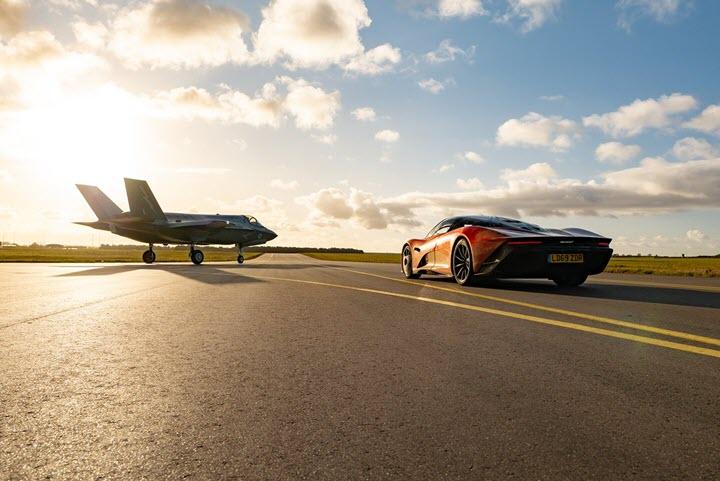 Siêu xe McLaren Speedtail 'tỉ thí' với máy bay phản lực F35 và cái kết nghẹt thở
