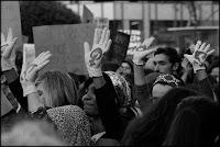 guantes,manos,manifestacion,feminista