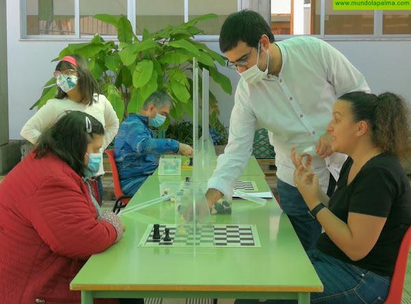 CO Taburiente: primera entidad de La Palma con sesiones de ajedrez para personas con discapacidad auditiva