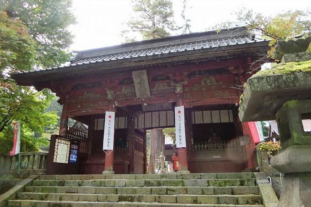 北口本宮冨士浅間神社随神門