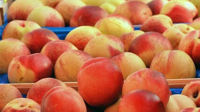 Σχεδόν 6 τόνοι φρούτων άγνωστου προελεύσεως δεσμεύτηκαν στην αγορά του Ρέντη