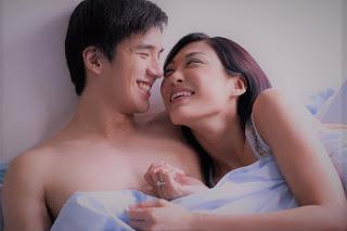 5 Cara Ampuh Buat Istri Bantu Suami Lebih Tahan Lama di Atas Ranjang