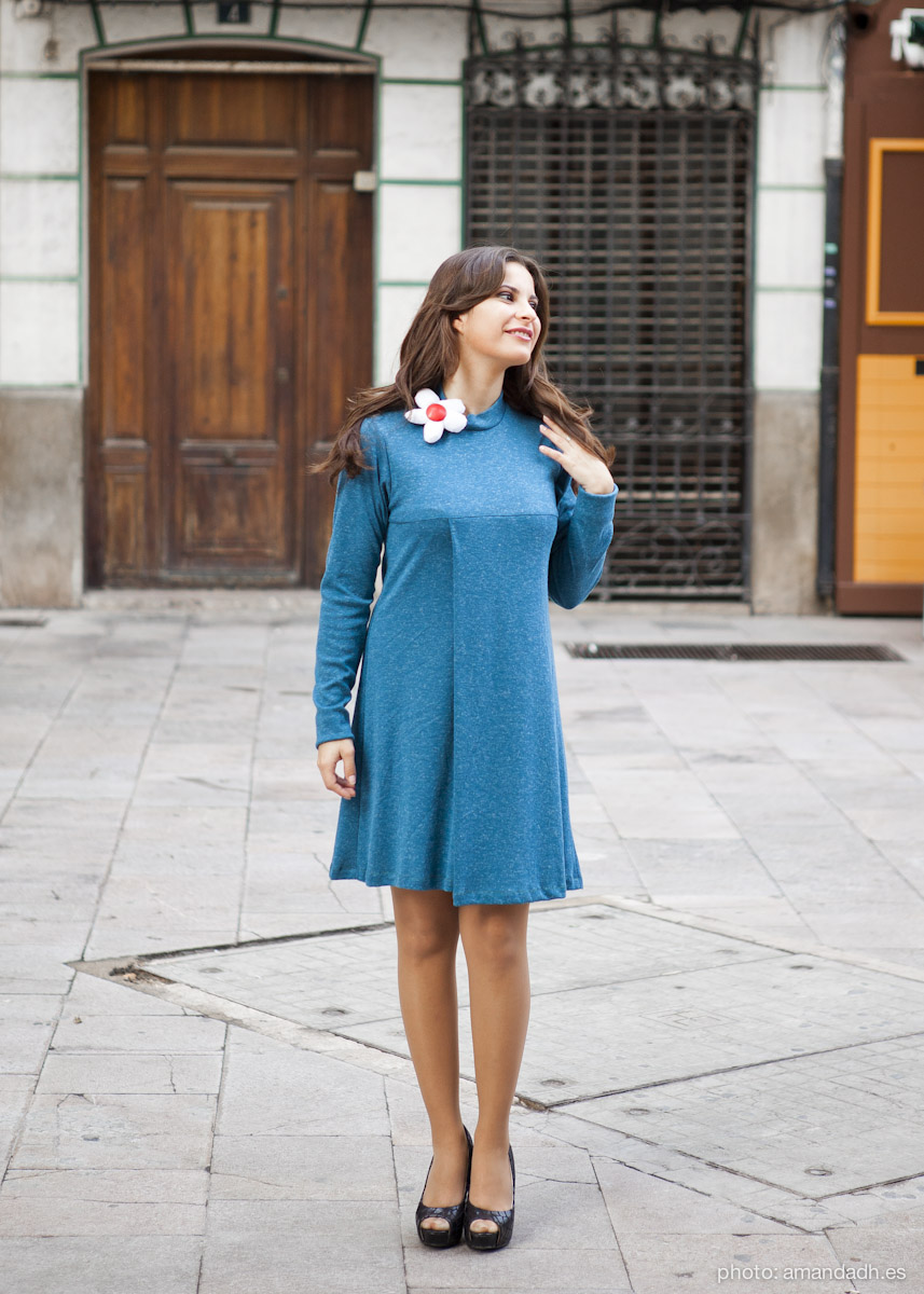 blue dress with brooch flower in cotton - Senorita Martita FALL-WINTER street style by Amanda Dreamhunter