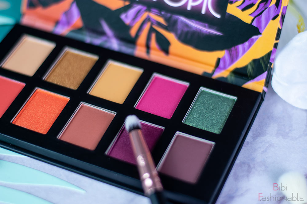 NYX Professional MakeUp Off Tropic Shadow Palette Shifting Sand Farben rechts