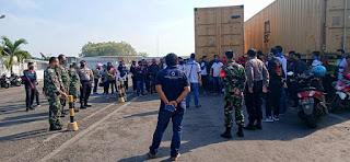 Sinegritas TNI – Polri wilayah Kecamatan Mayong Amankan Jalannya Demo FSPMI