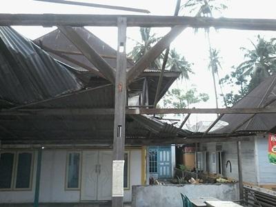 32 Rumah Rusak Akibat Puting Beliung Di Bungus Teluk Kabung Bentengsumbar Com