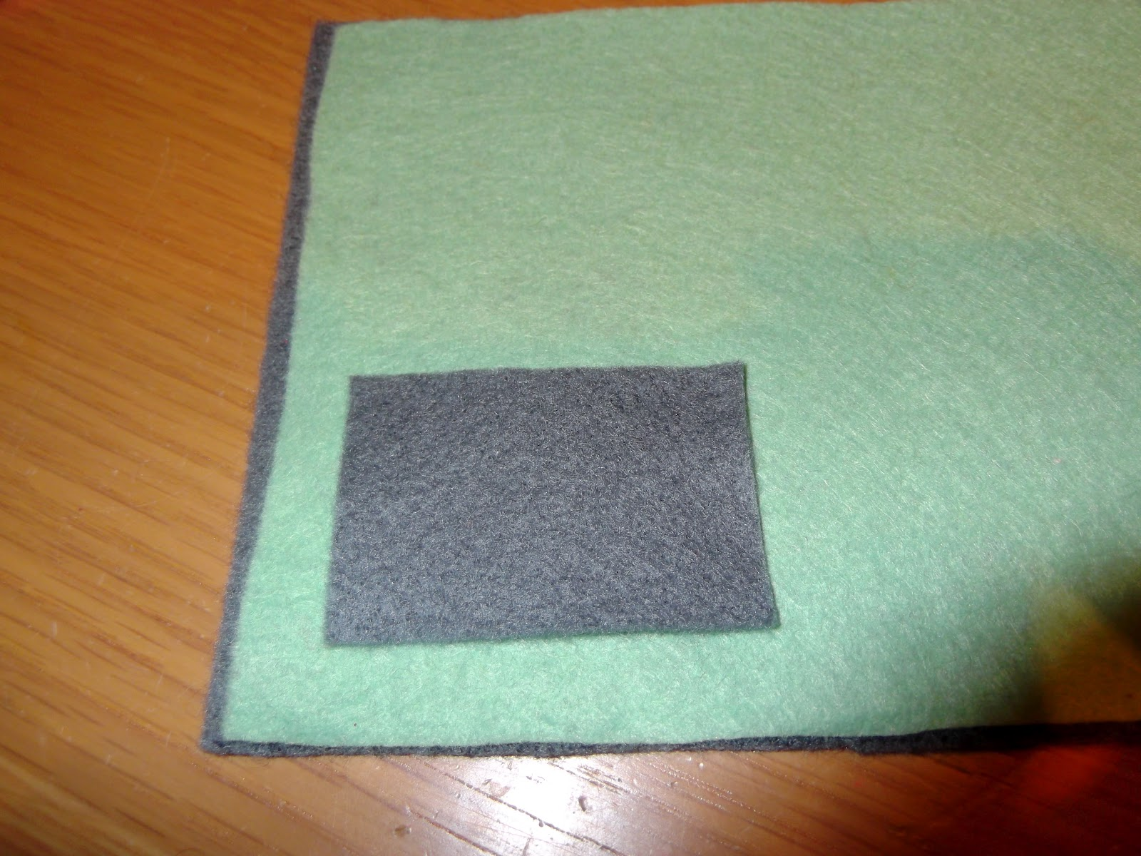 Made By (A)me: Felt Needle Case
