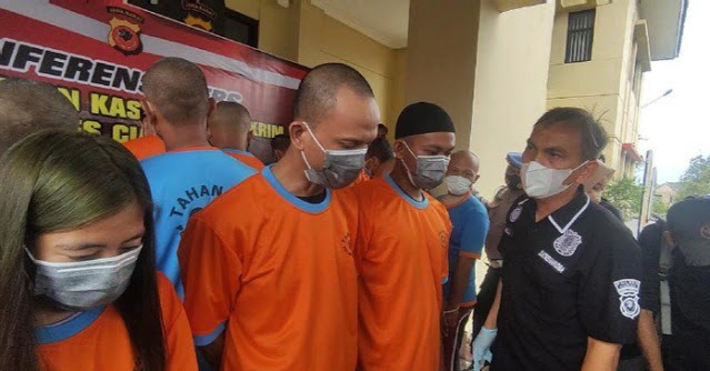 Pesta Sabu, Kepsek MTs-Pacar Gelap Beli Narkoba Via Lapas Cianjur