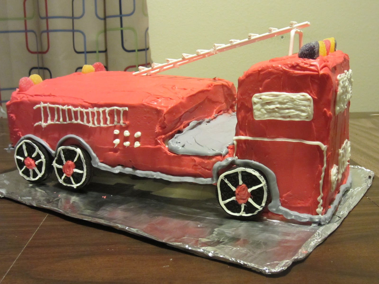 Cake Decorating How To Make Fire : How to make a Firetruck Cake Preschool Powol Packets