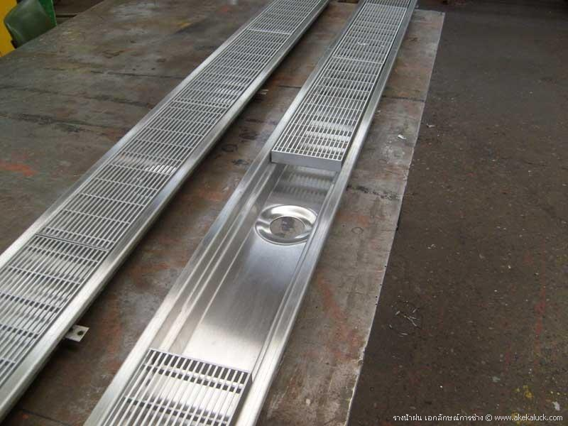 Drain Gutter / tutup selokan air/ grating/ Grin grating / Drainage Gate stainless