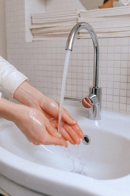 Tưởng đơn giản nhưng bạn có chắc mình đã rửa mặt đủ sạch?