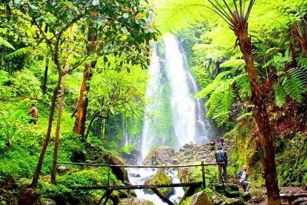 wisata pulau kabaena, keindahan pulau kabaena