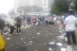Selepas Aksi 412, Sampah Berserakan dan Taman Bundaran HI Rusak Parah, Lantas Kemana media pecinta Tanaman Metro TV dan Kompas ? - Commando