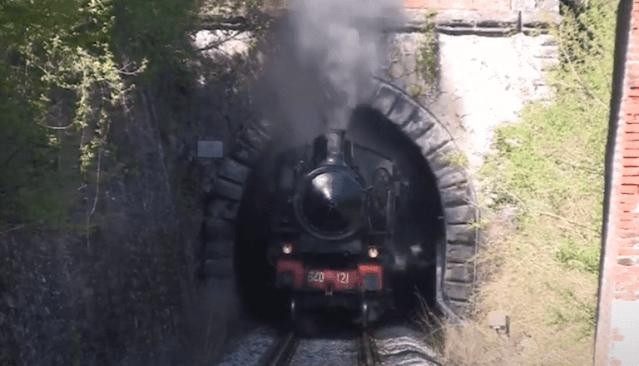 كارثة قطار بالفانو