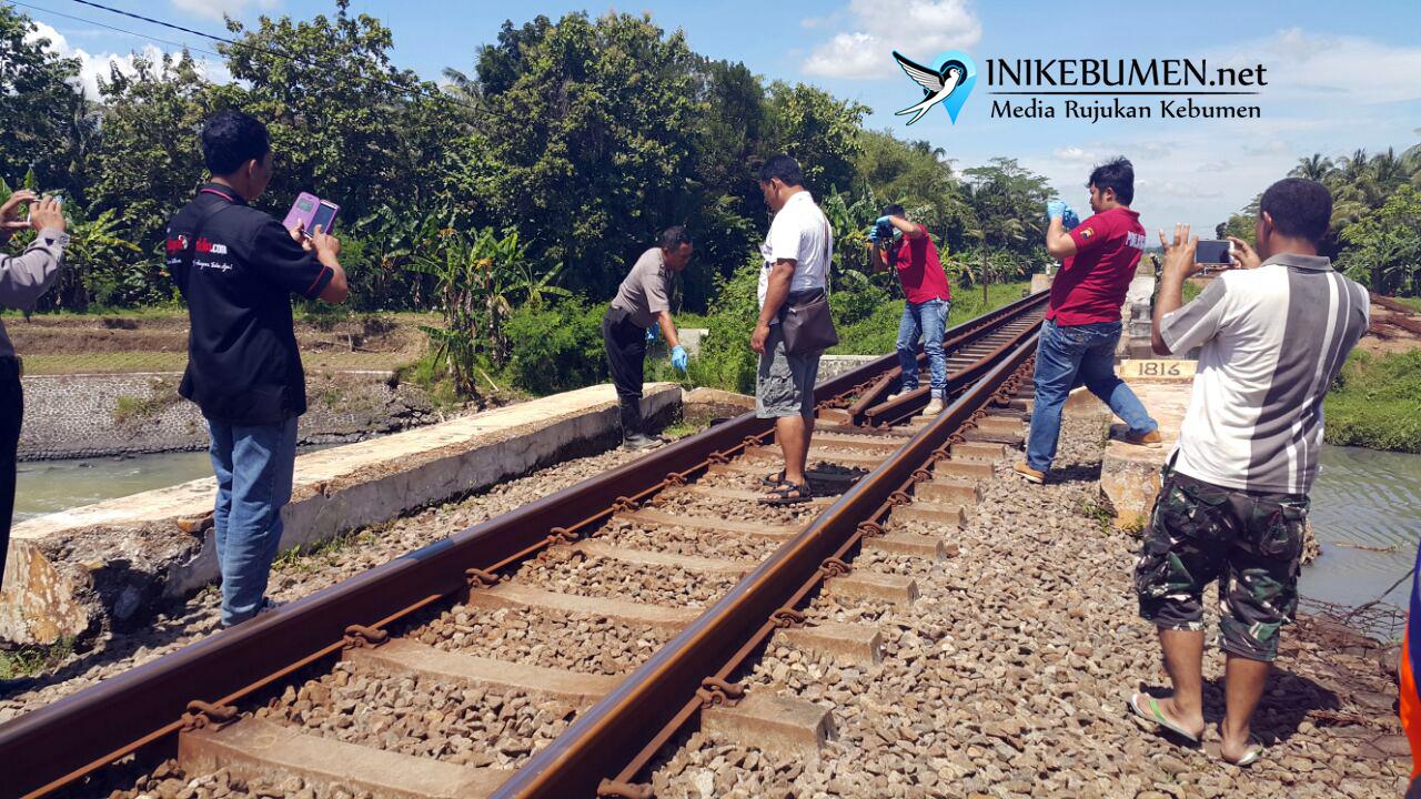 Tak Hati-hati Saat Menyeberang Rel, Pekerja Rel Ganda Tewas Disambar Kereta Api