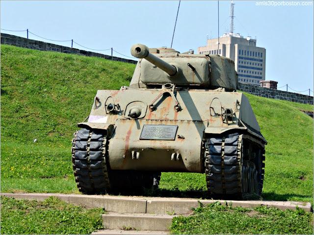 Tanque de la Guerra de Corea en la Ciudadela de Quebec