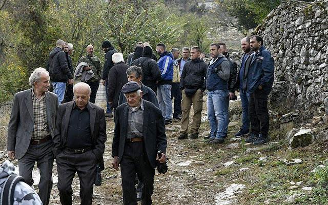 Σε βαρύ κλίμα η κηδεία του Κ. Κατσίφα - Αυξημένα τα μέτρα στα σύνορα