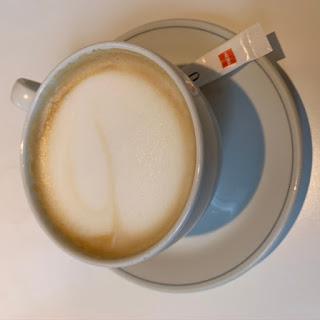 Cappuccino van de Hema