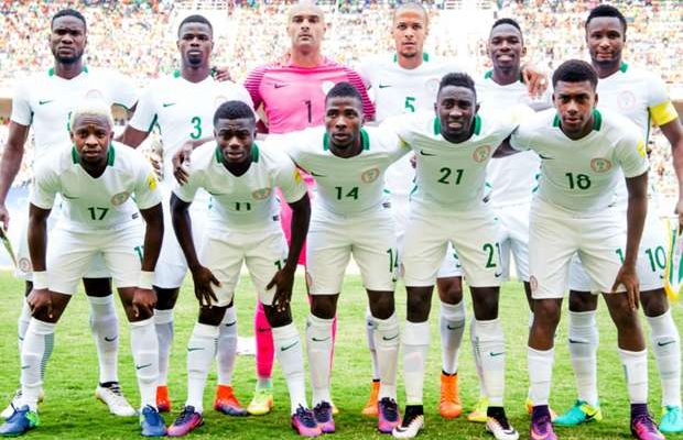 World Cup Qualifier- Rohr Invites Arsenal's Iwobi, Iheanacho, 22 Others For Algeria (See Full List)