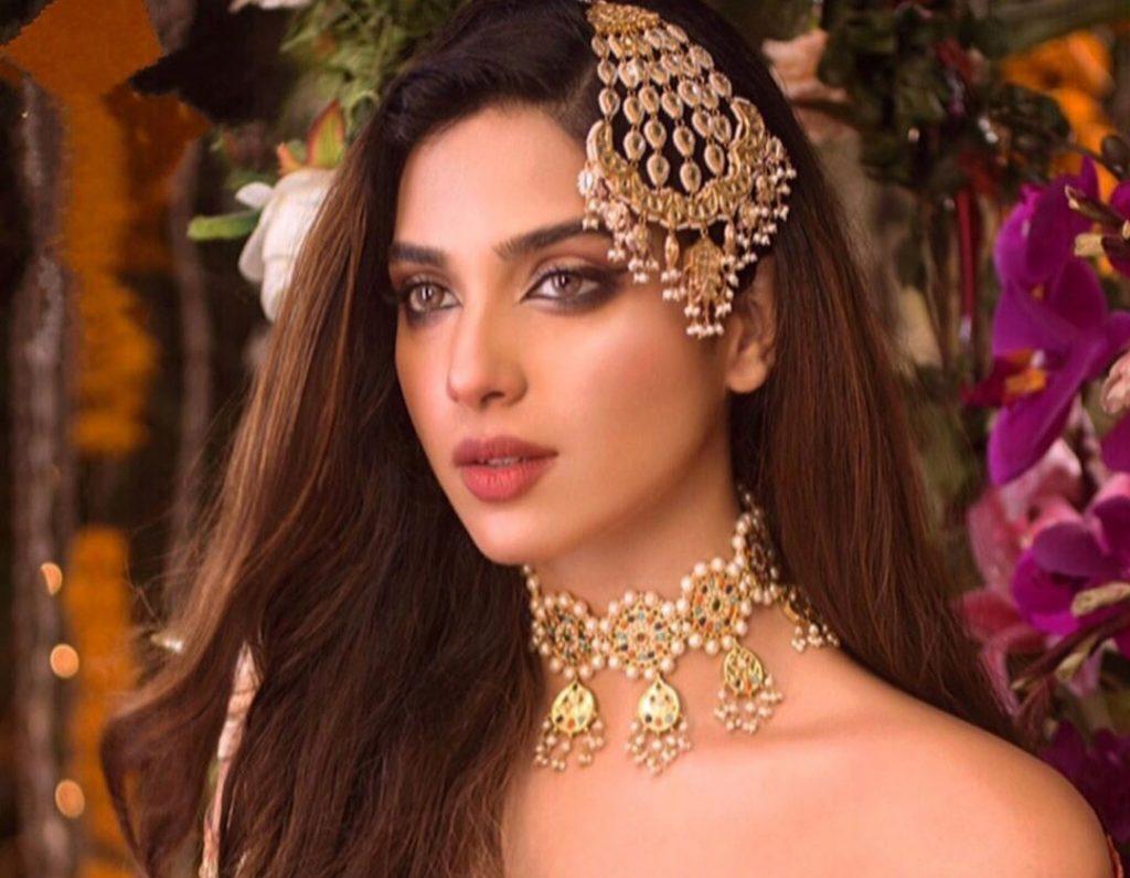 Sonya Hussain Looking Stunning in New Photoshoot
