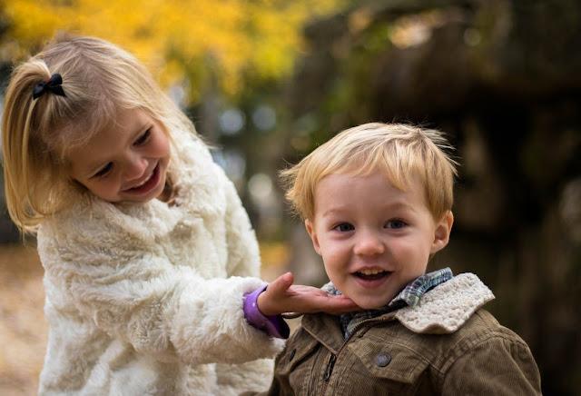 Поради для батьків, які хочуть виростити розвинену і кмітливу дитину без купи іграшок