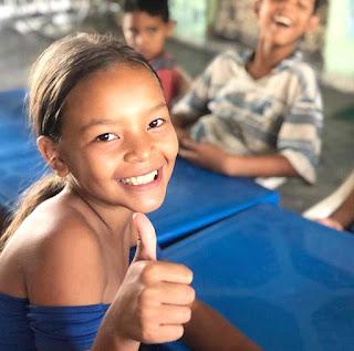 La sonrisa de los niños en señal de agradecimiento a Alimenta La Solidaridad.