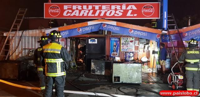 Osorno: Incendio afectó a local comercial de madrugada