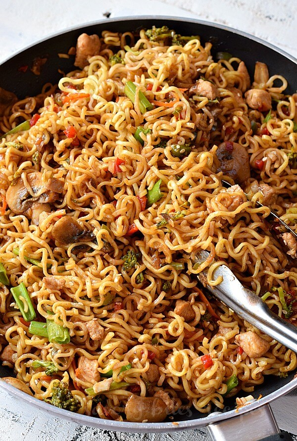 close up of a pan with easy chicken and ramen noodles