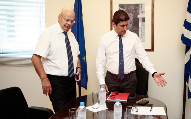«Καταντάει γραφικός ο Αυγενάκης», αναφέρουν κύκλοι της ΕΟΚ