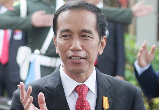 Jokowi Minta Masyarakat Tanya Soal Bansos ke RT, RW, dan Kepala Desa