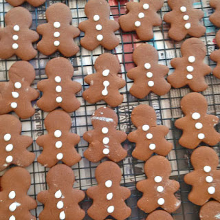 gingerbread men: QuiltBee