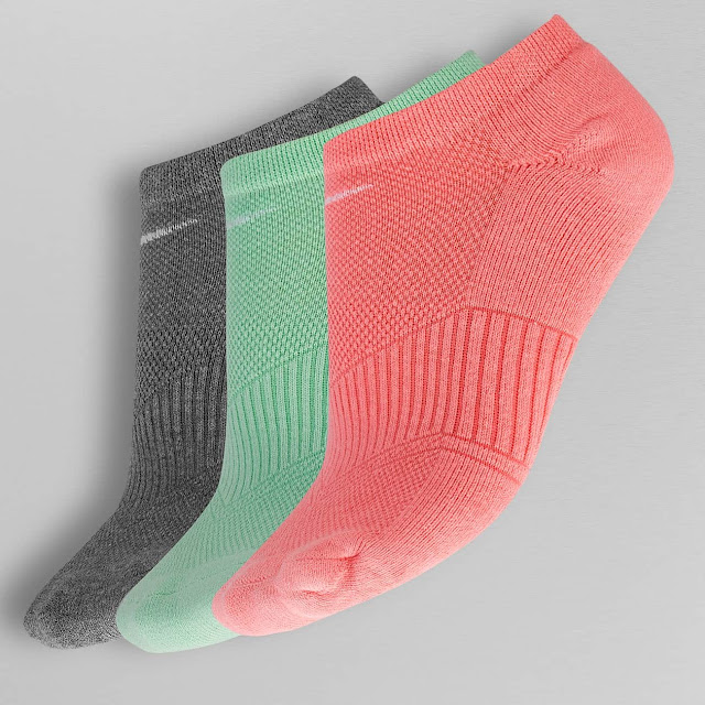 Get Woollen Socks And Caps From The Best Online Shopping