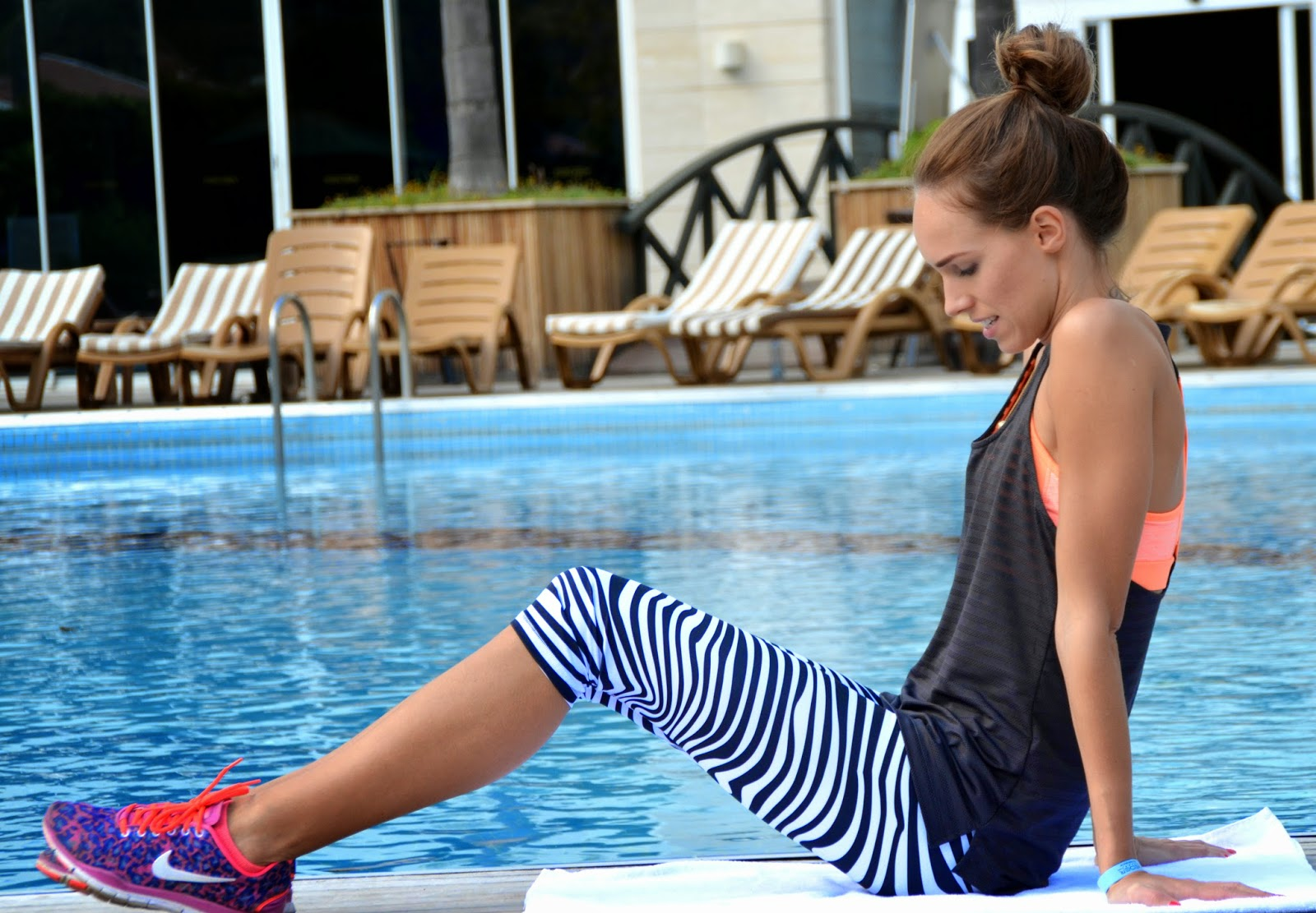 adidas-zebra-tights-hm-sports-bra-top-nike-free-5.0-geetah-pink kristjaana mere