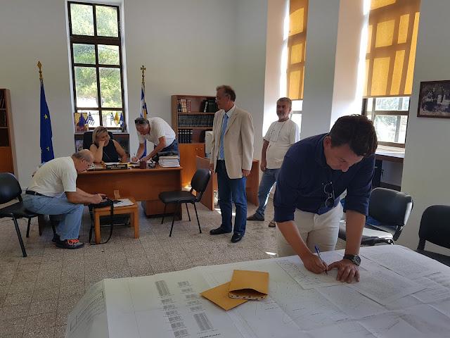 Πρέβεζα: Έπειτα από 25 χρόνια 11 συνδημότες στο Θεσπρωτικό απέκτησαν κτηματολογικούς τίτλους ιδιοκτησίας των οικοπέδων τους