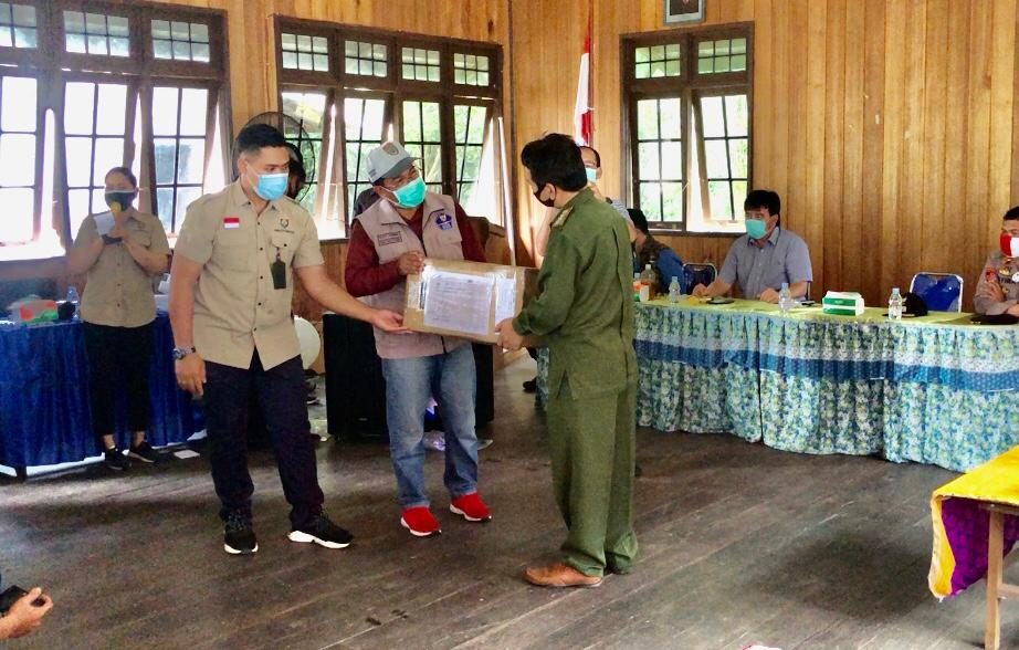 Pemprov Kalteng Salurkan Bansos Untuk Korban Kebakaran Sei Hanyo