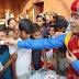 गरीब असहाय दिव्यांग बच्चों के बीच मना चर्चित चिकित्सक डॉ विजय राज सिंह का जन्म दिवस