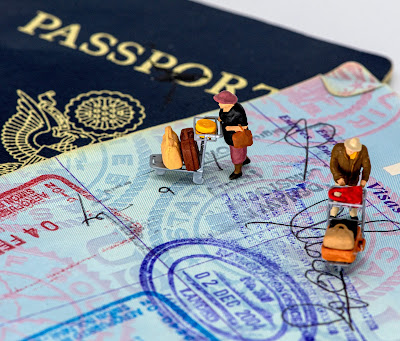 overcoming-the-challenges-that-come-with-moving-abroad