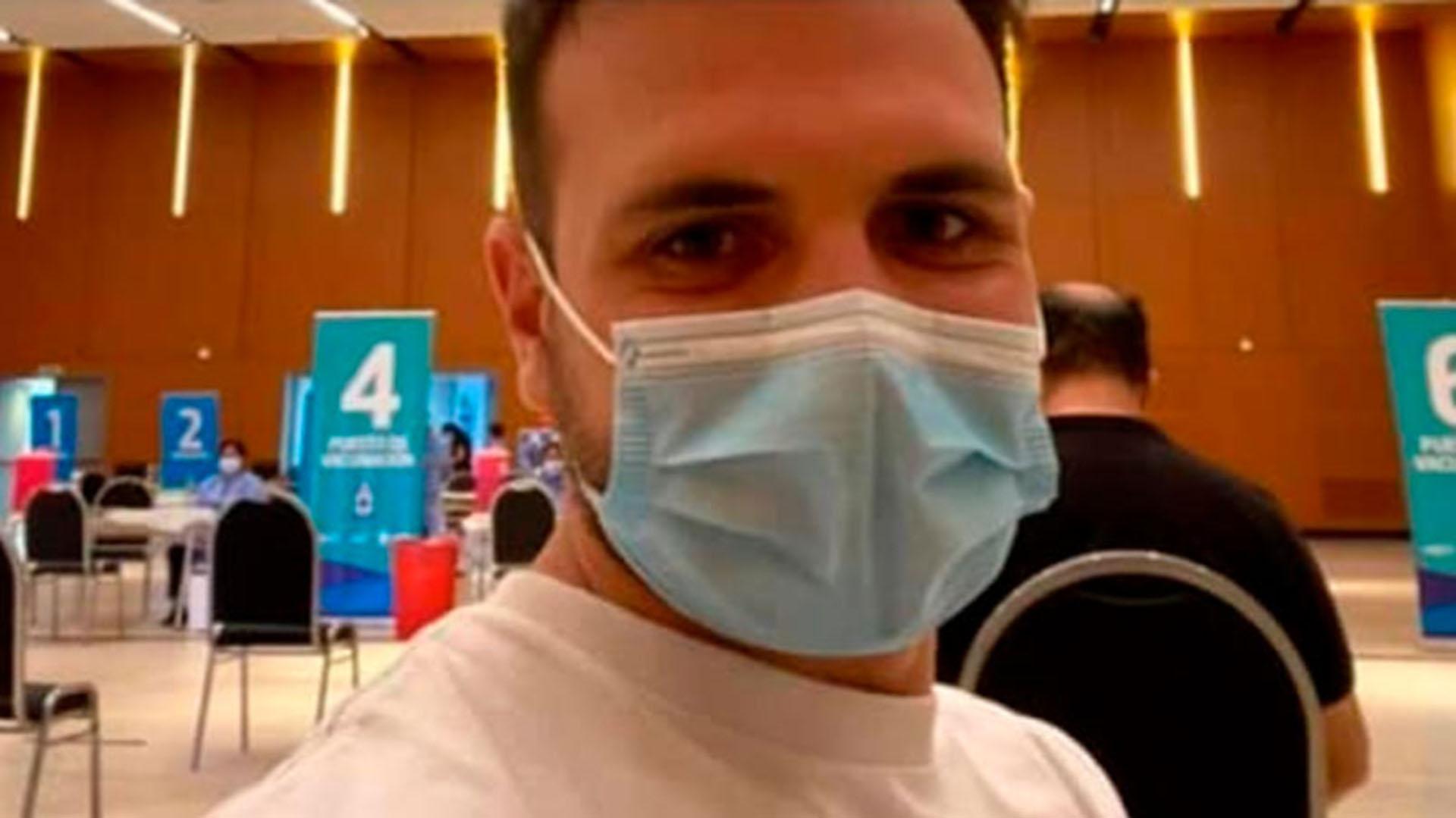 Polémica en Córdoba: vacunaron contra el coronavirus a un nieto de 28 años de un ex ministro de Salud